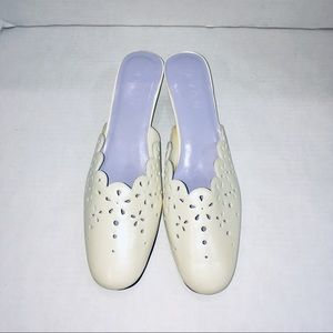 Avon Winter White Scallop Cut out Loafer Heels